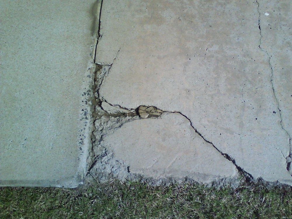 Broken-Footpath-Edge.JPG
