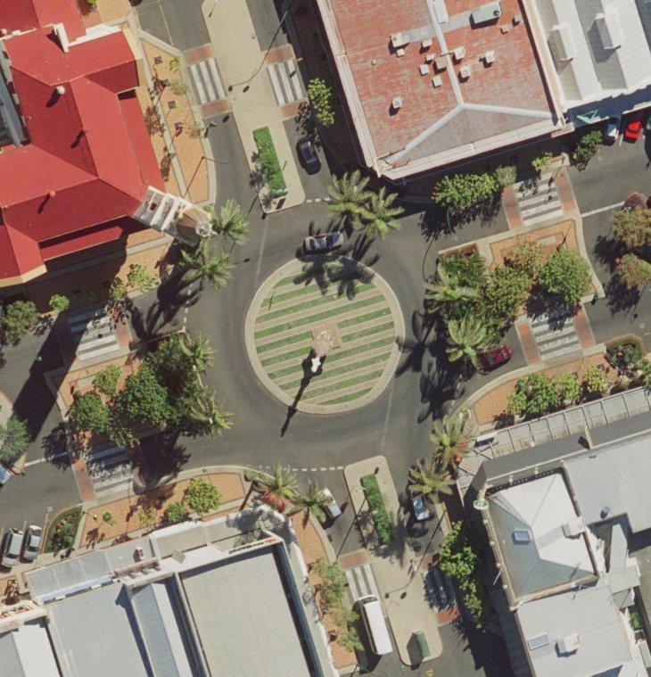 Roundabout1.jpg