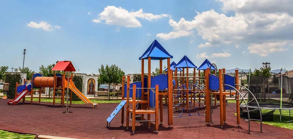 playground-softfall-pixabay.jpg