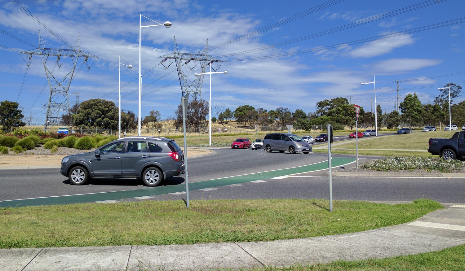 Ferres-Boulevard-Findon-Road-Roundabout.jpg