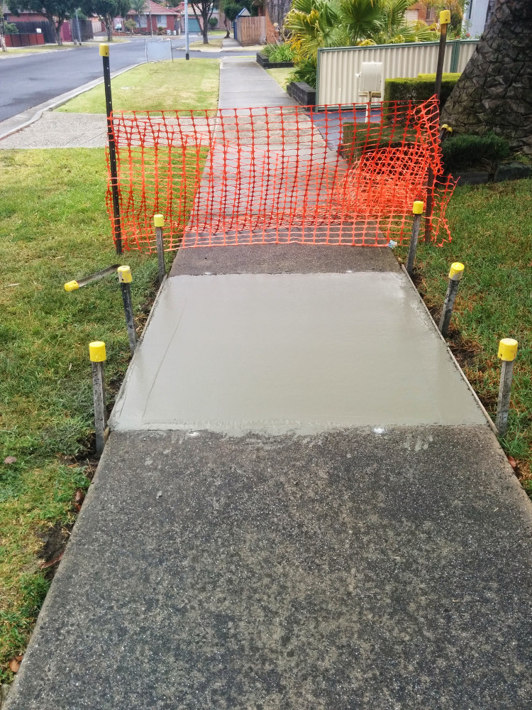 Freshly-Poured-Concrete-Footpath-Panel.jpg